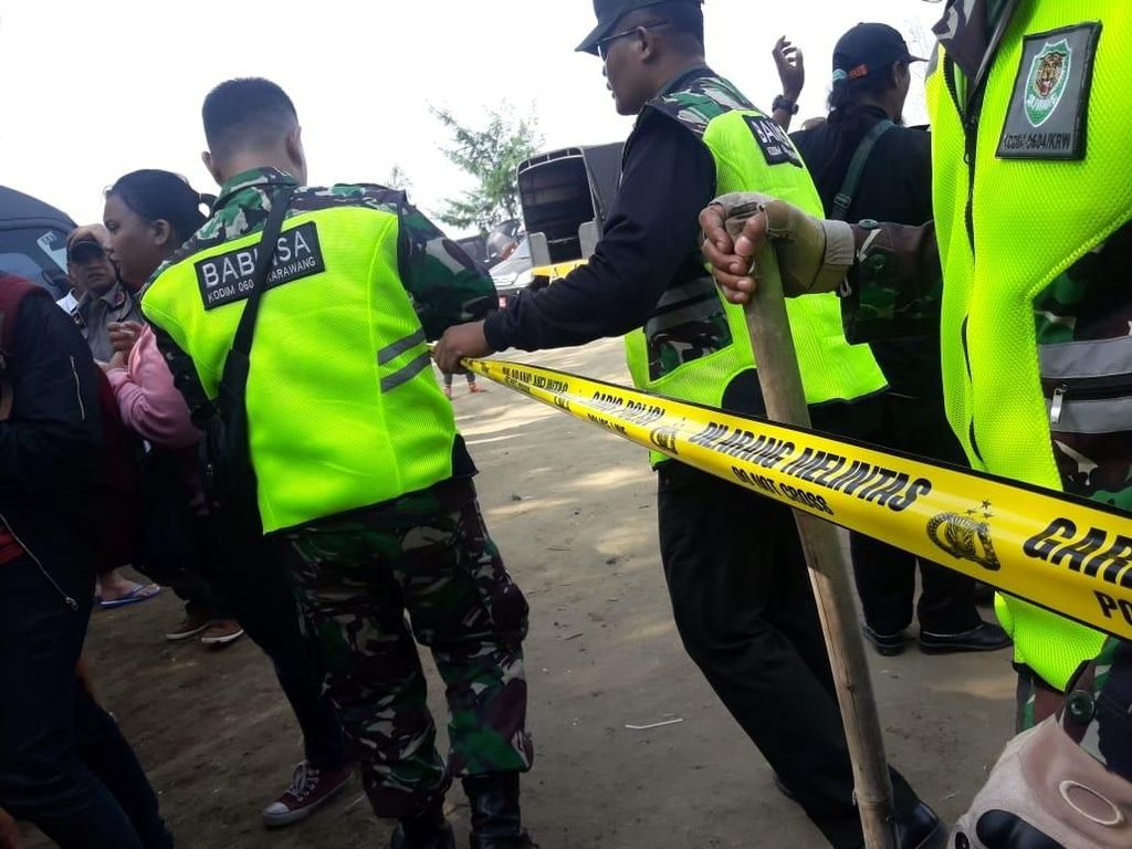 Lokasi Evakuasi Lion Air di Karawang Disterilkan, Garis Polisi Dipasang