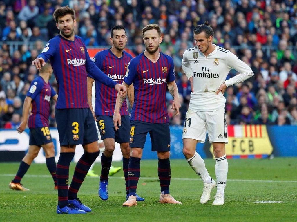 Ketika Pique Minta Publik Camp Nou Berhenti Mencaci Ramos