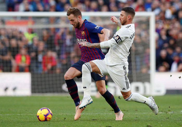 Barcelona menjamu Madrid di Camp Nou, Minggu (28/10/2018) malam WIB di laga pekan ke-10 La Liga Spanyol. (Foto: Albert Gea/Reuters)