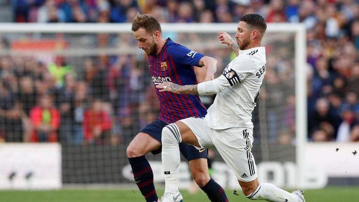 El Clasico menjadi duel Nike vs Adidas di Liga Spanyol (Albert Gea/Reuters)