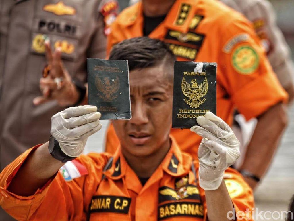 Penampakan Identitas Penumpang Lion Air yang Ditemukan di Laut