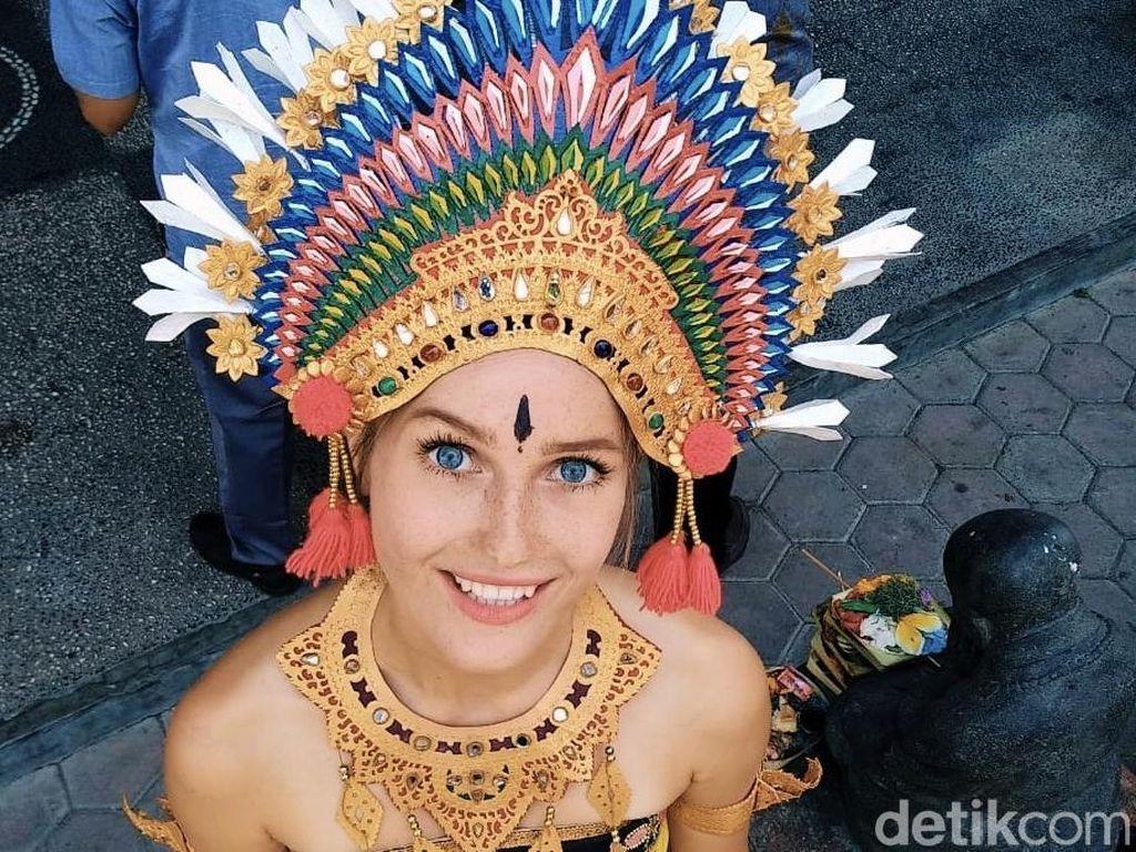 Katerina Syslova, Mahasiswi Cantik Ceko yang Cinta Bali