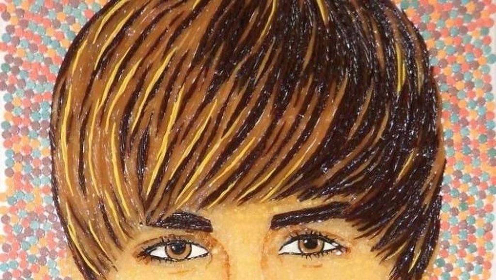 Nyam! Wajah Justin Bieber hingga Nicki Minaj Ini Dilukis dengan Ribuan Permen