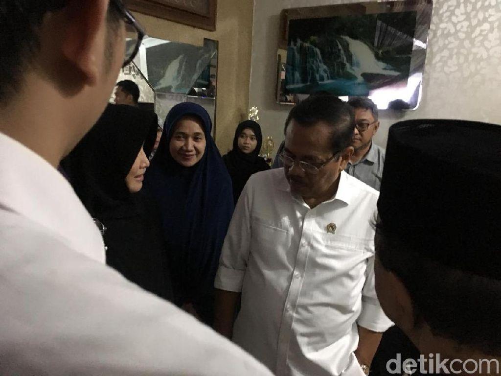 Jaksa Agung Sambangi Rumah Jaksa Korban Jatuhnya Lion Air JT 610