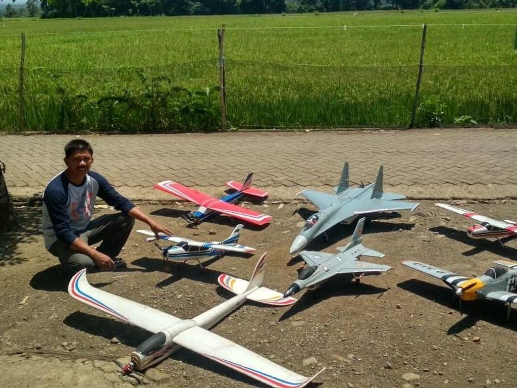 Bikin Pesawat Nirawak Terbang 1 Jam, Sopir Angkot Ini Sempat Dicibir