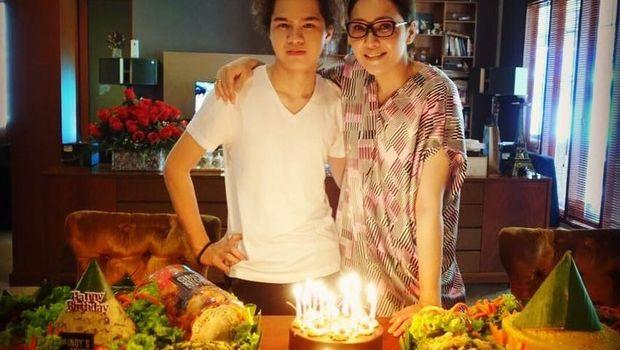 Cerita Dul Jaelani Sebut Baby Sitter-nya Sebagai Ibu Kedua