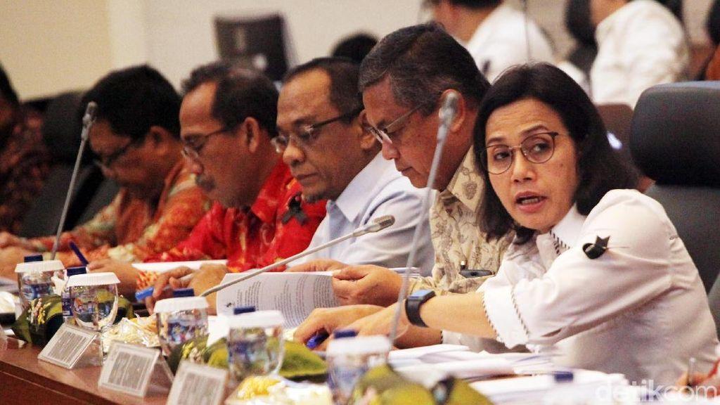 Berduka Peristiwa Lion Air, Sri Mulyani Berpita Hitam Rapat di DPR