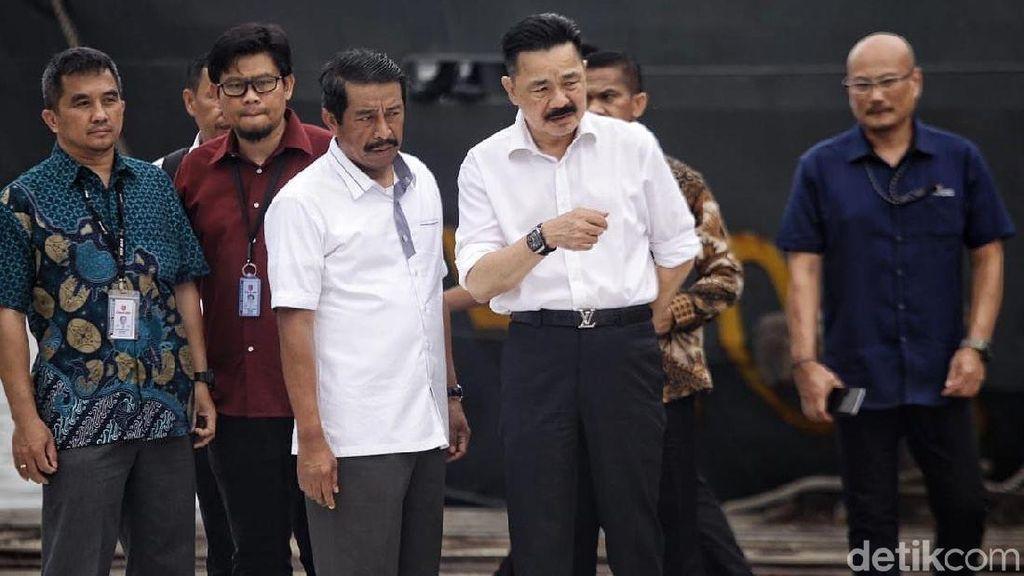 Ekspresi Rusdi Kirana Saat Amati Puing Lion Air JT 610