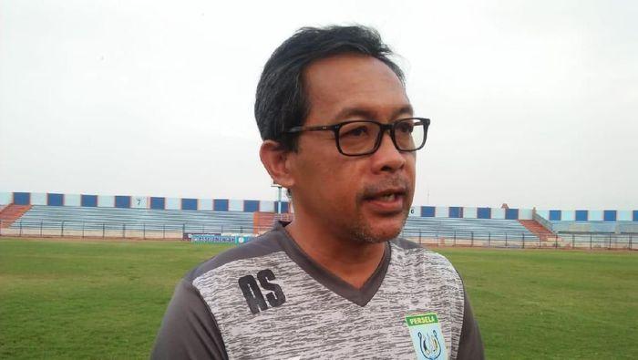 Pemain Persela Lamongan, Aji Santoso. (Foto: Eko Sudjarwo/Detikcom)