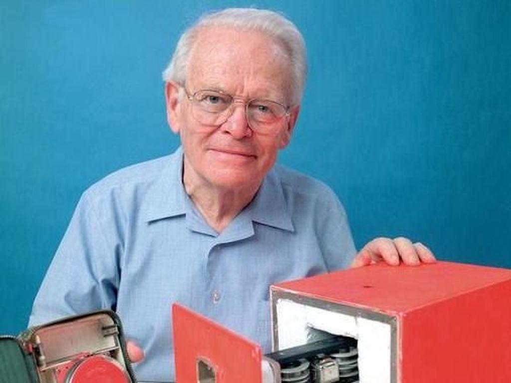 Kisah Pencipta Black Box Kehilangan Ayah karena Insiden Pesawat