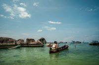 Banyak nelayan yang menyewkaan sampan dan boat sebagai aktivitas wisata buat wisatawan (Sendy Aditya Saputra/Istimewa/Kemenpar)