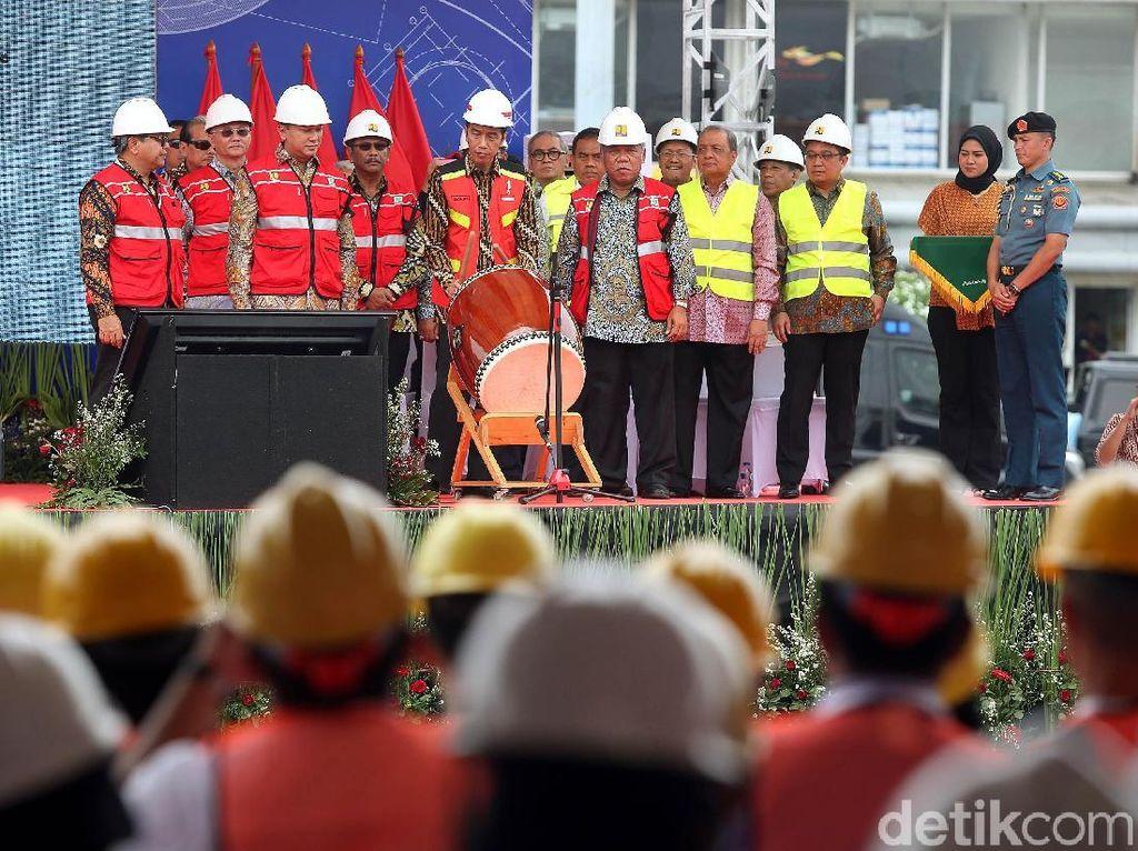 Jokowi Buka Program Sertifikasi Tenaga Kerja Konstruksi