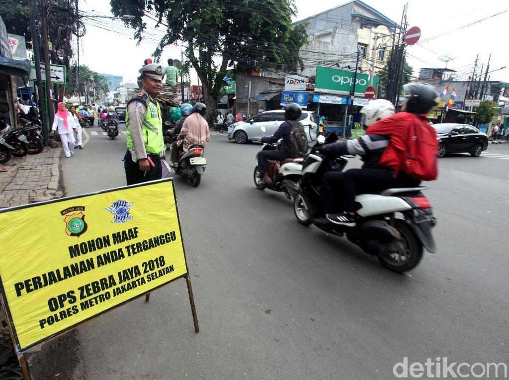 Hari Pertama Operasi Zebra Jaya, Ratusan Pengendara Kena Tilang