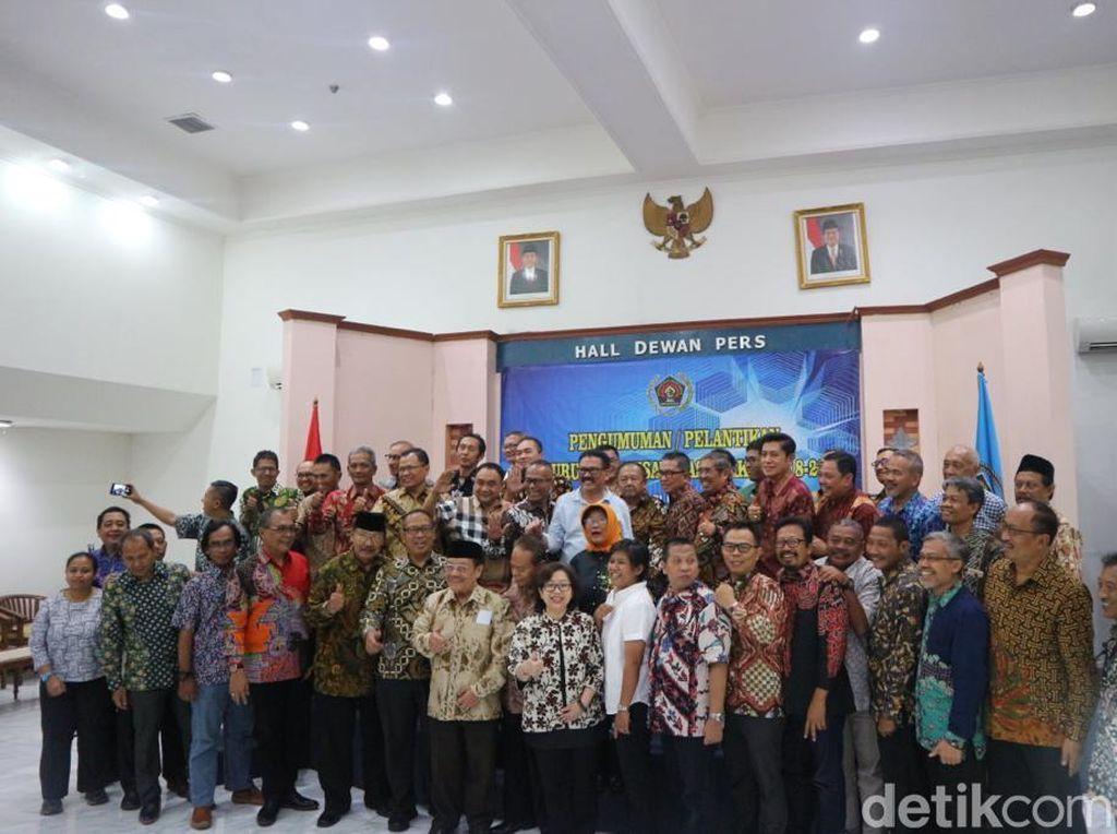 Pengurus PWI Periode 2018-2023 Dilantik
