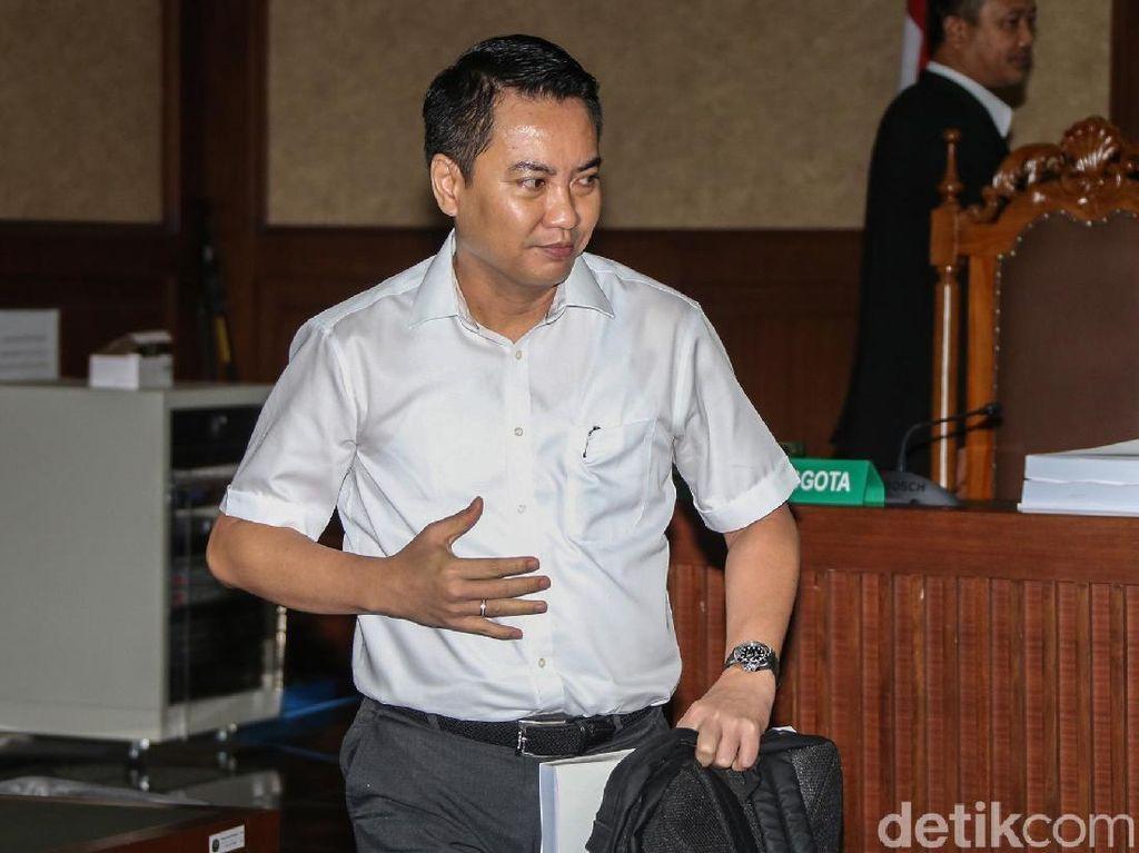 Terima Vonis 8 Tahun Penjara, Fayakhun Tak Ajukan Banding