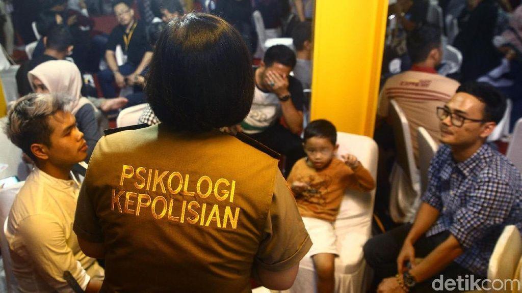Pendamping Psikolog Temani Keluarga Korban Lion Air