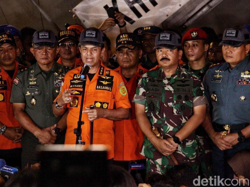 Konferensi Pers Panglima TNI dan Basarnas soal Lion Air
