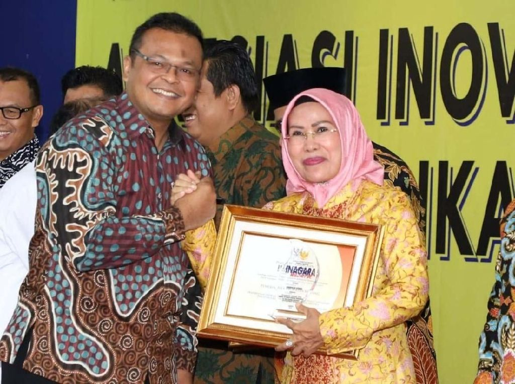 Bupati Serang Raih Inagara Award