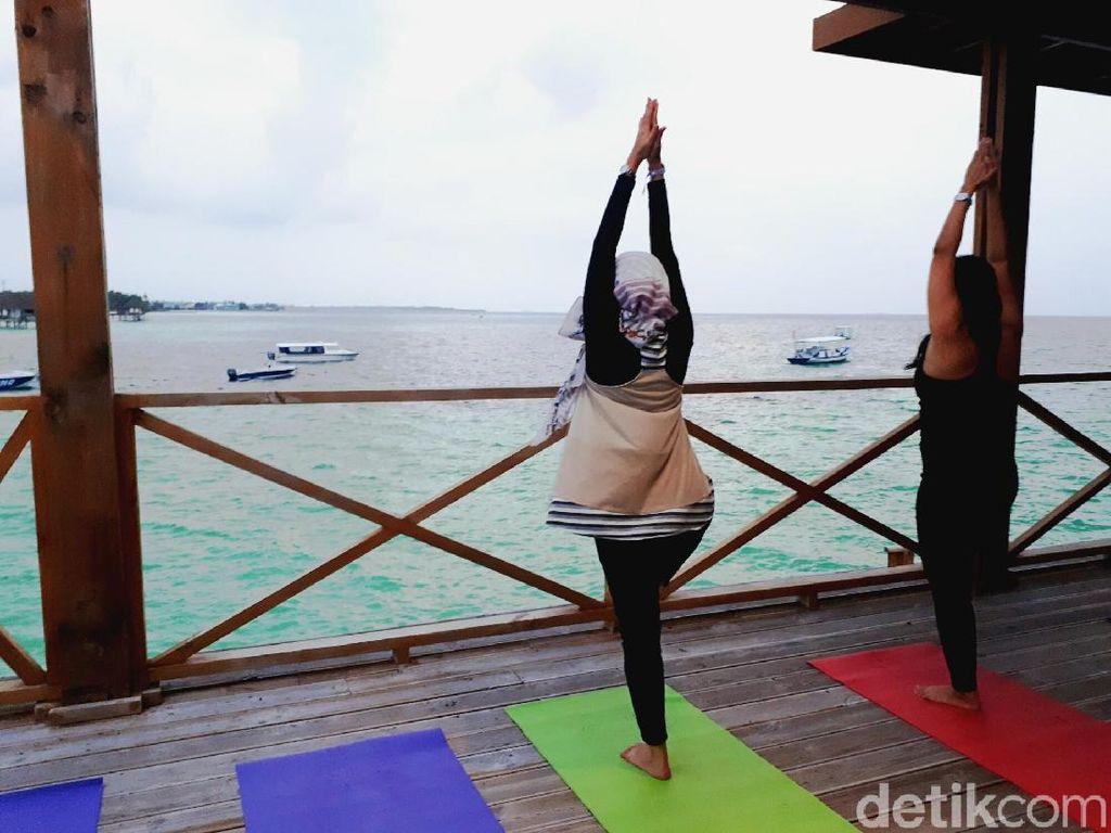 Rileks Dulu di Maldives, Ikutan Sunset Yoga