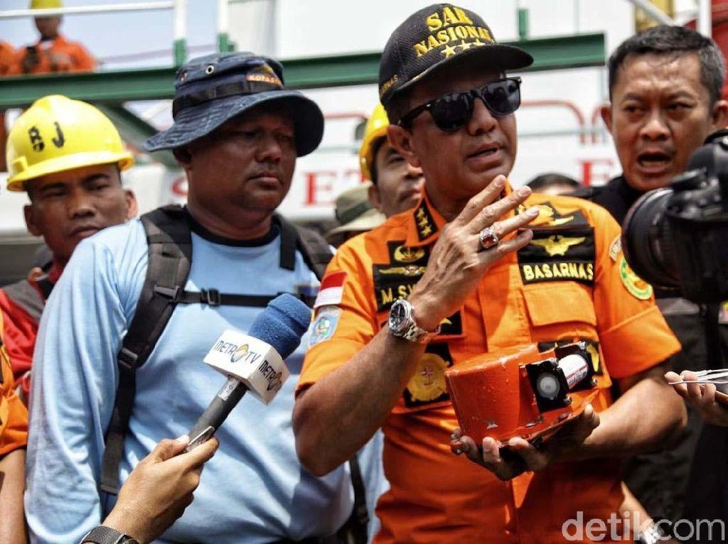 TNI Mutasi 68 Perwira, Dari Kabasarnas hingga Kapuspen