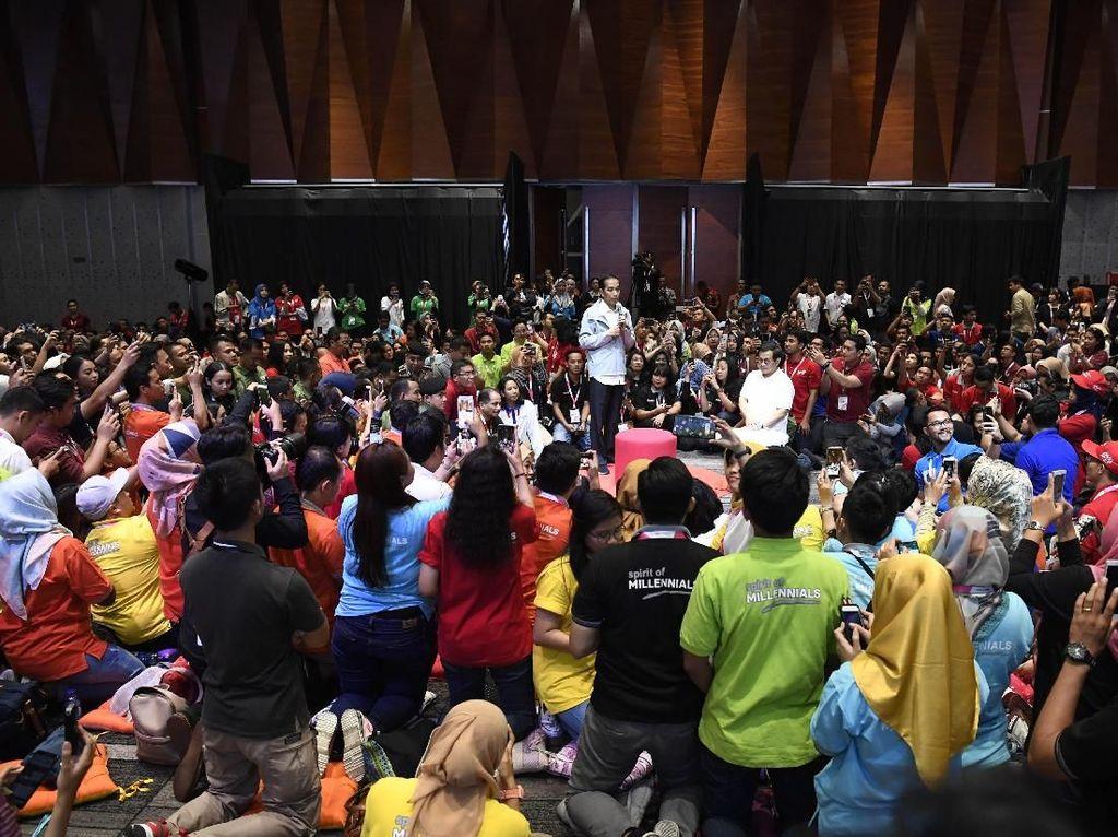 Ini Pesan Jokowi ke Milenial soal Main Medsos