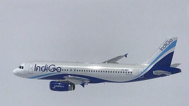 Pesawat asing Airbus A-320 registrasi V8-RBT yang diusir dari Kepulauan Riau