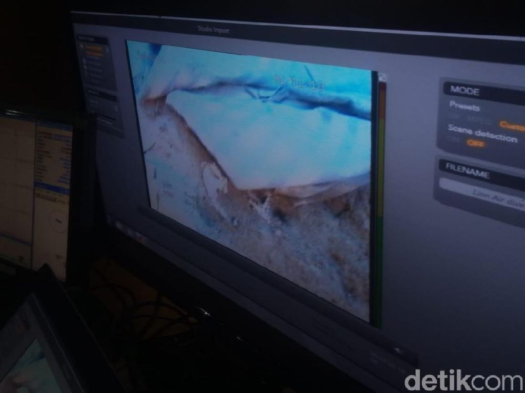 15 Menit Diturunkan, Kamera ROV Tangkap Serpihan Lion Air JT 610