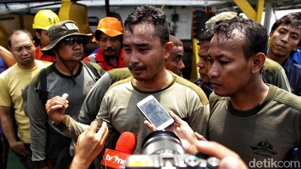 Penyelam TNI AL Temukan Black Box Lion Air JT 610
