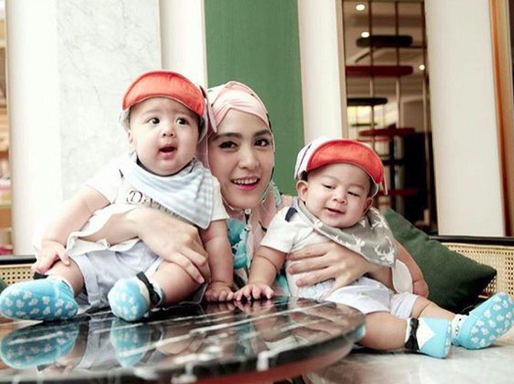 Kenangan Manis April Jasmine Saat Mengandung Anak Kembar