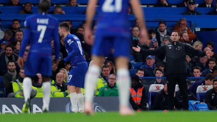 Frank Lampard disebut-sebut sebagai calon pengganti Maurizio Sarri di Chelsea (Foto: Andrew Couldridge/Reuters)