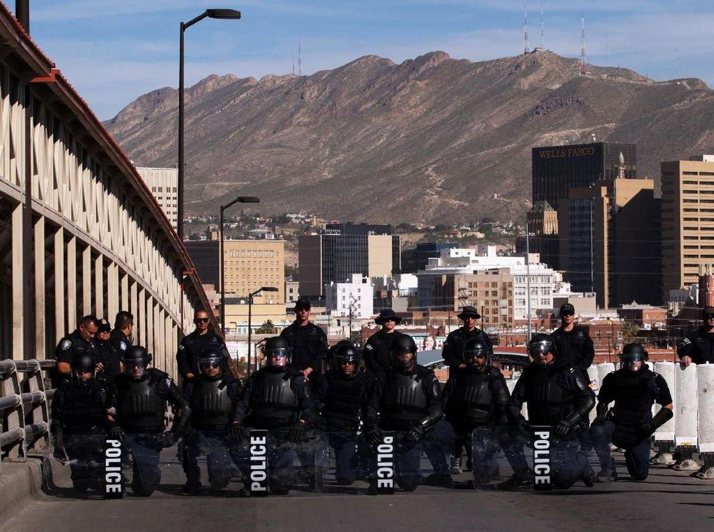 Hadang Imigran Gelap, Trump Ingin Kirim 15.000 Tentara ke Perbatasan