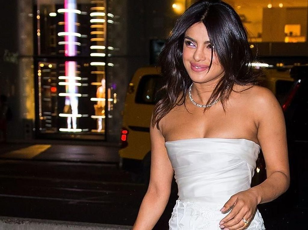 Ini Makna Kue di Pesta Bridal Shower Priyanka Chopra dan Nick Jonas