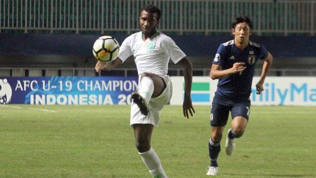 Jepang gagal mempertahankan trofi Piala Asia U-19 usai kalah 0-2 dari Arab Saudi.