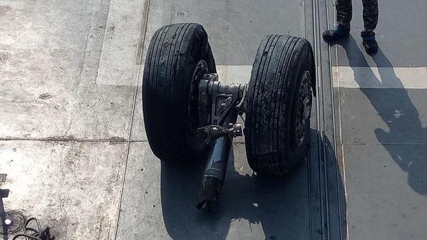 Roda pesawat Lion Air PK-LQP ditemukan /