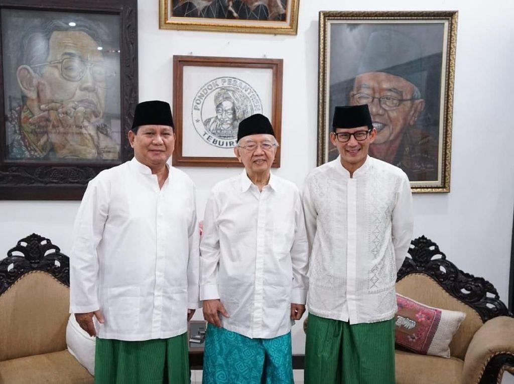 Kala Prabowo-Sandi Bersarung Hijau