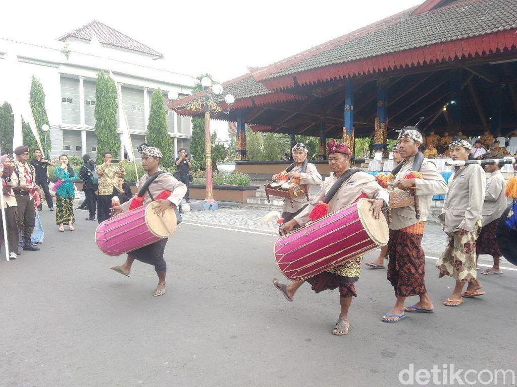 Foto: 2.000 Siswa di Lombok Meriahkan Festival Budaya
