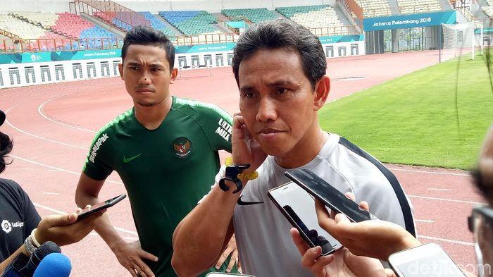 Bima Sakti, pelatih Timnas Indonesia (Randy Prasatya/detikSport)