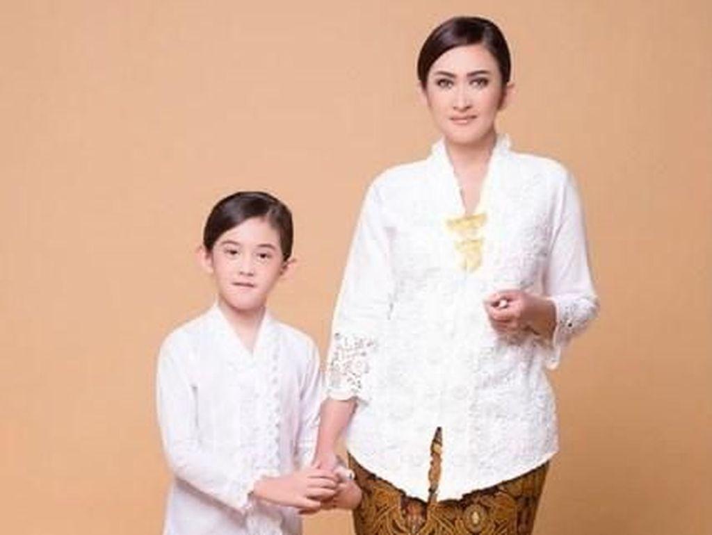 Nafa Urbach Wajib Ajarkan Anak Bahasa Jawa