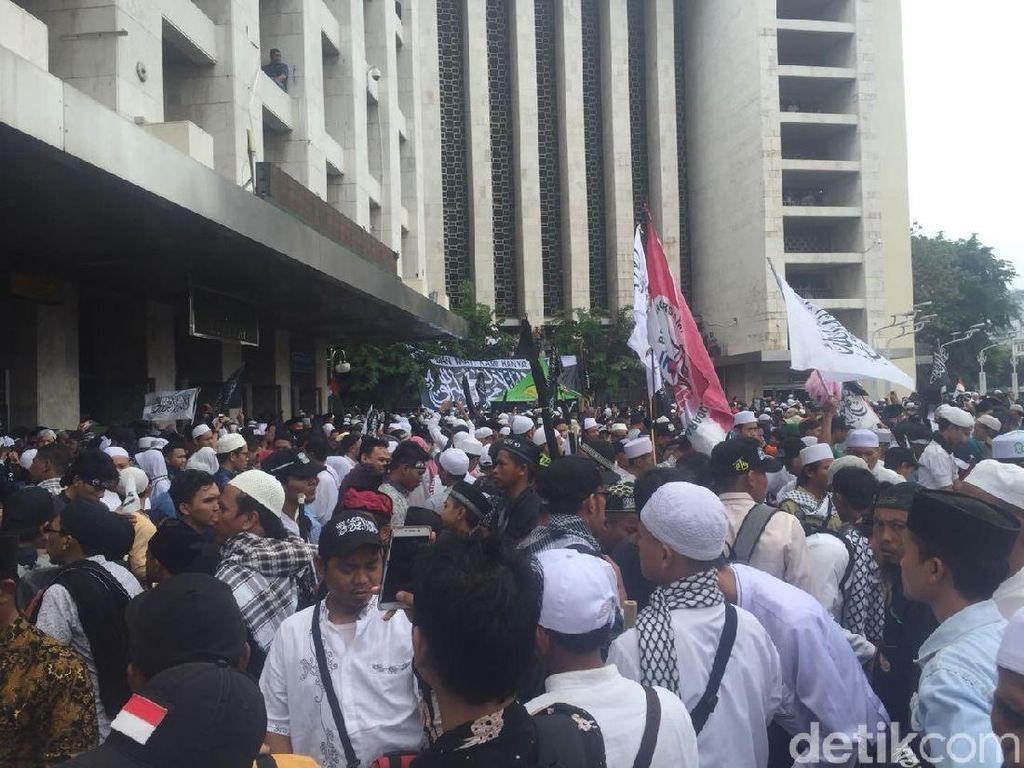 Massa Aksi 211 Long March dari Istiqlal ke Istana
