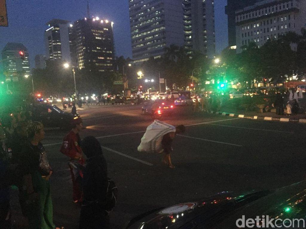 Massa Aksi Bela Tauhid 211 Bubar, Lalin di Monas Kembali Dibuka