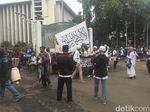 Massa Aksi Bela Tauhid 211 Mulai Datangi Masjid Istiqlal