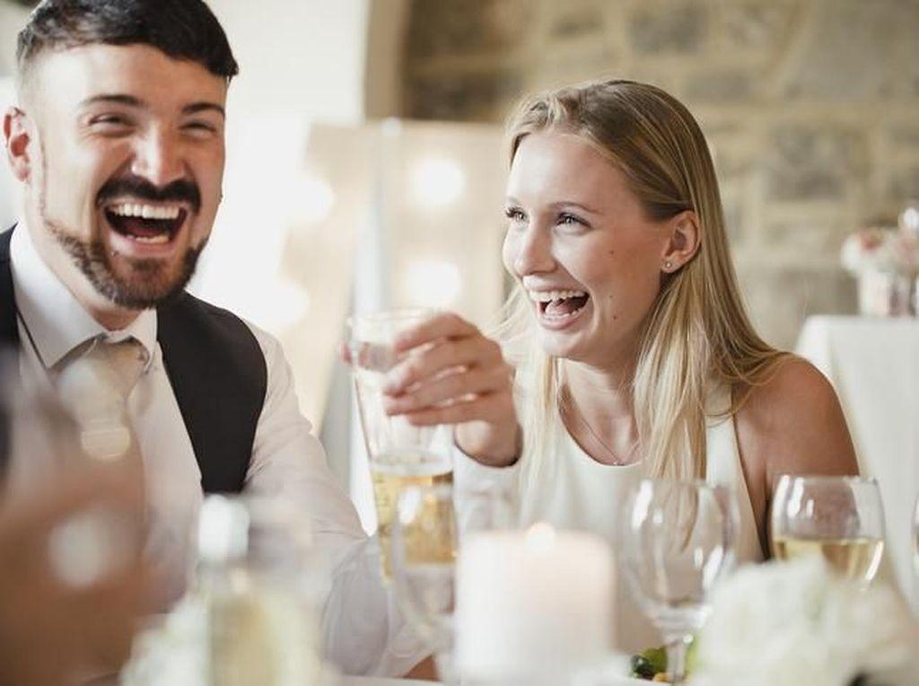 Mempelai Ini Pusing karena Tamu Pernikahannya Minta Menu Non Karbo