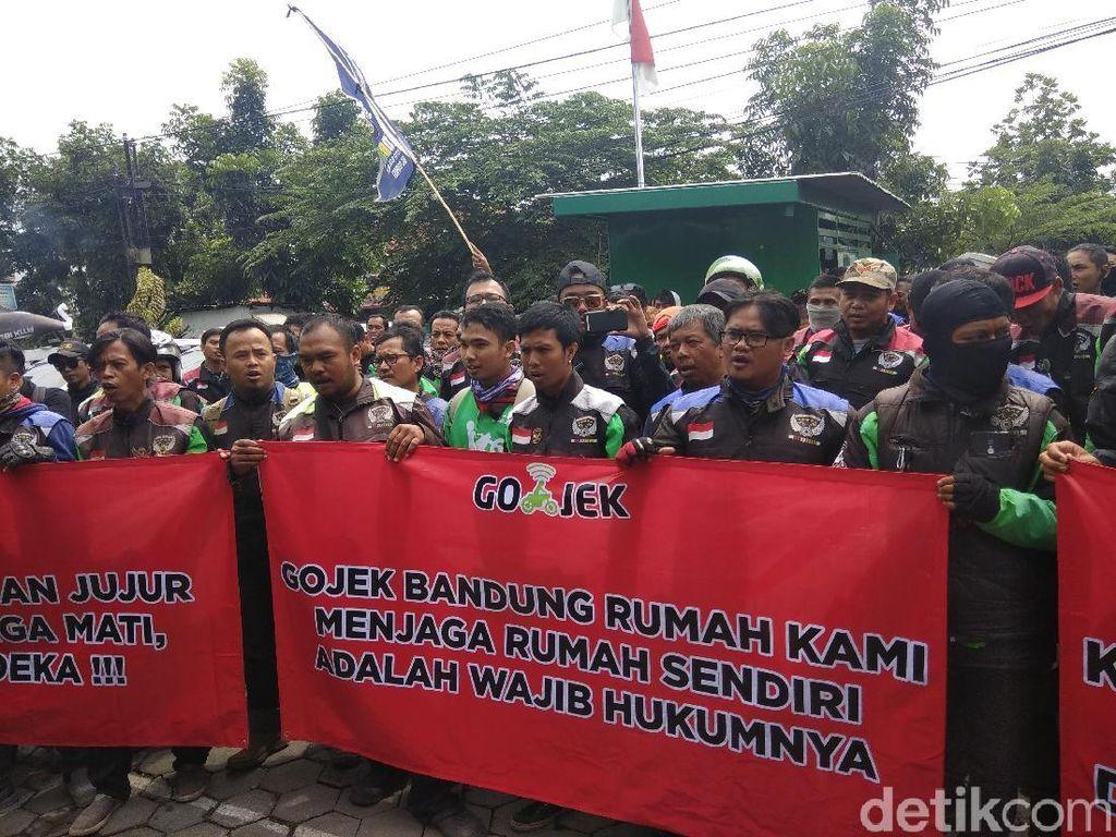Ojol Bandung Demo ke Kantor Gojek Keluhkan Fake GPS