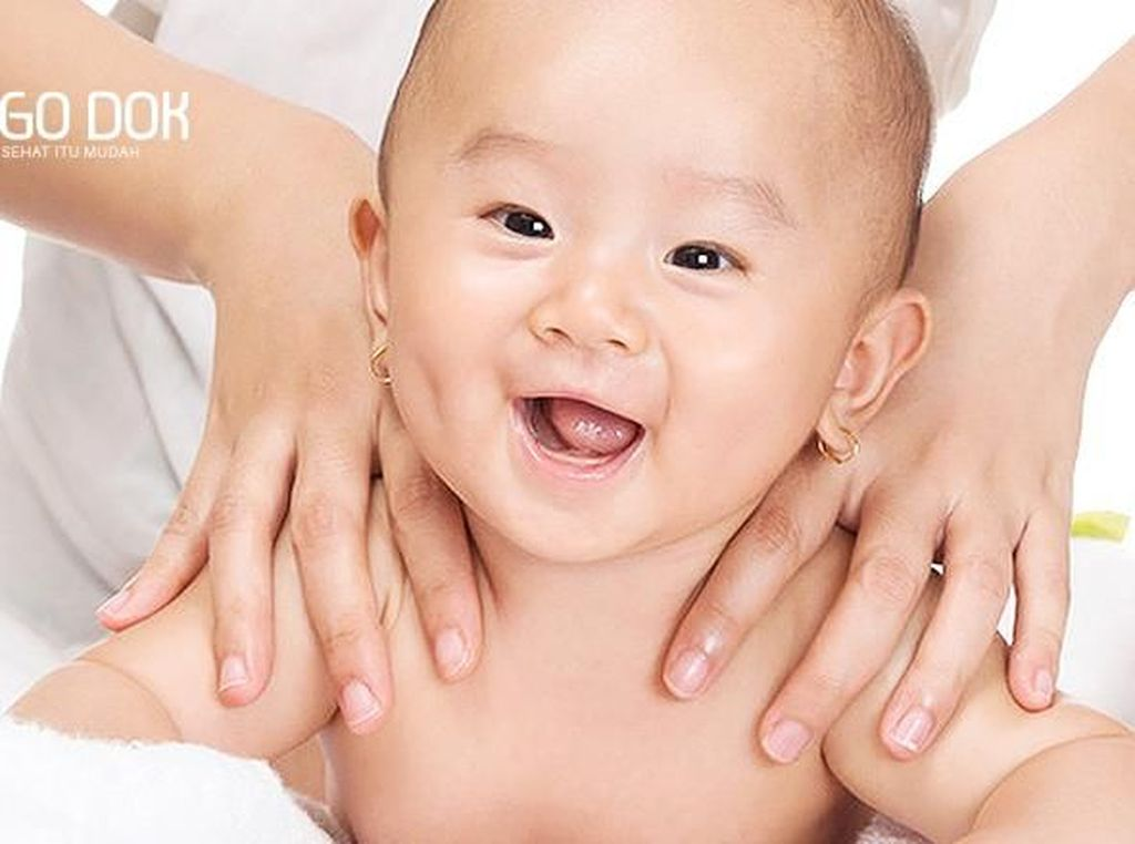 7 Langkah Memijat Bayi dengan Tepat