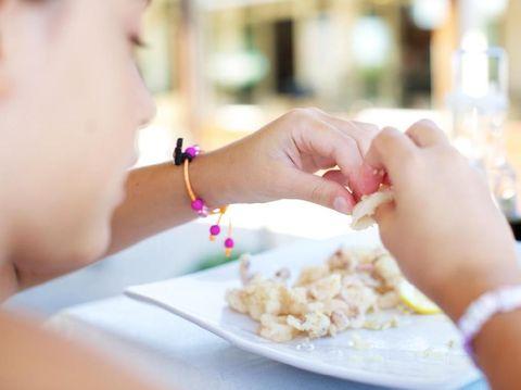 Jangan Salah, Anak Juga Bisa Terkena Emotional Eating Lho Bunda