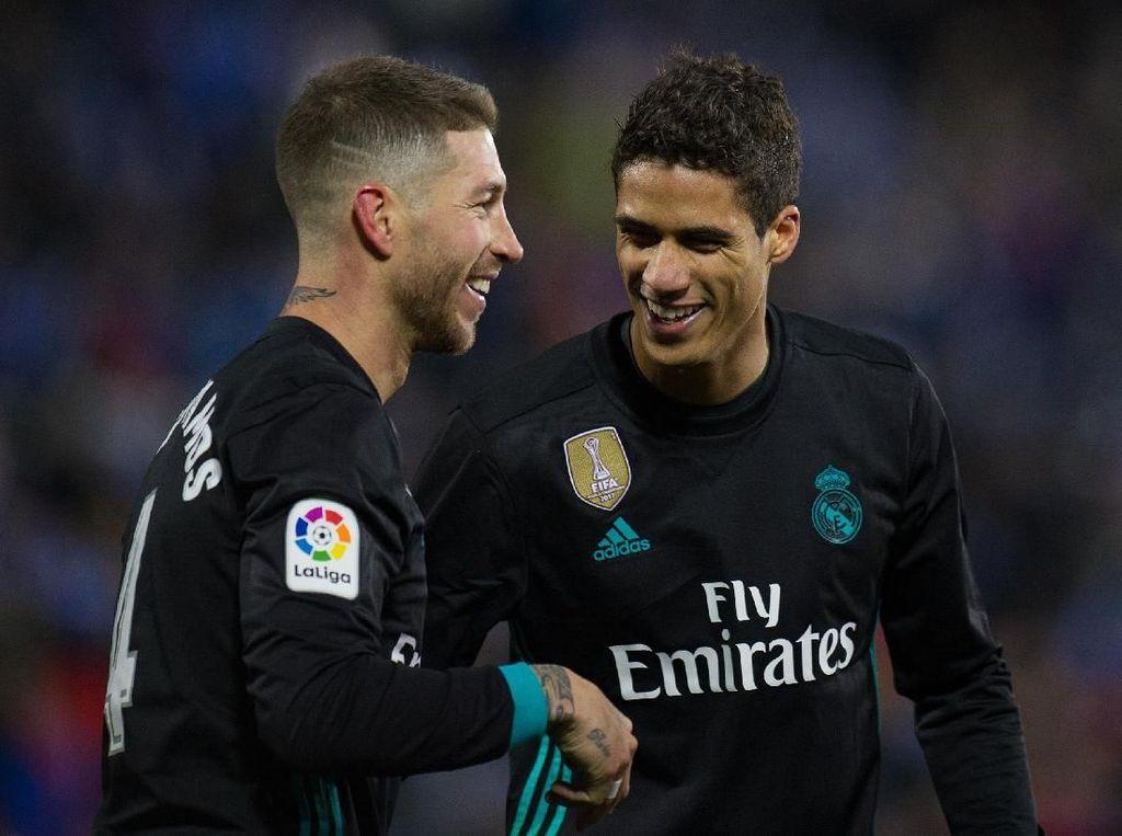 Van Dijk: Ramos Bukan Bek Hebat, tapi Varane