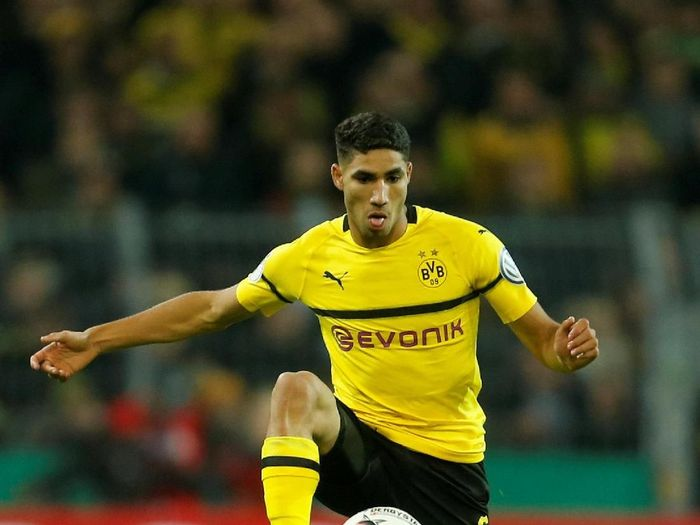 Soccer Football - DFB Cup Second Round - Borussia Dortmund v Union Berlin - Signal Iduna Park, Dortmund, Germany - October 31, 2018  Borussia Dortmunds Achraf Hakimi in action                     REUTERS/Leon Kuegeler  DFL regulations prohibit any use of photographs as image sequences and/or quasi-video
