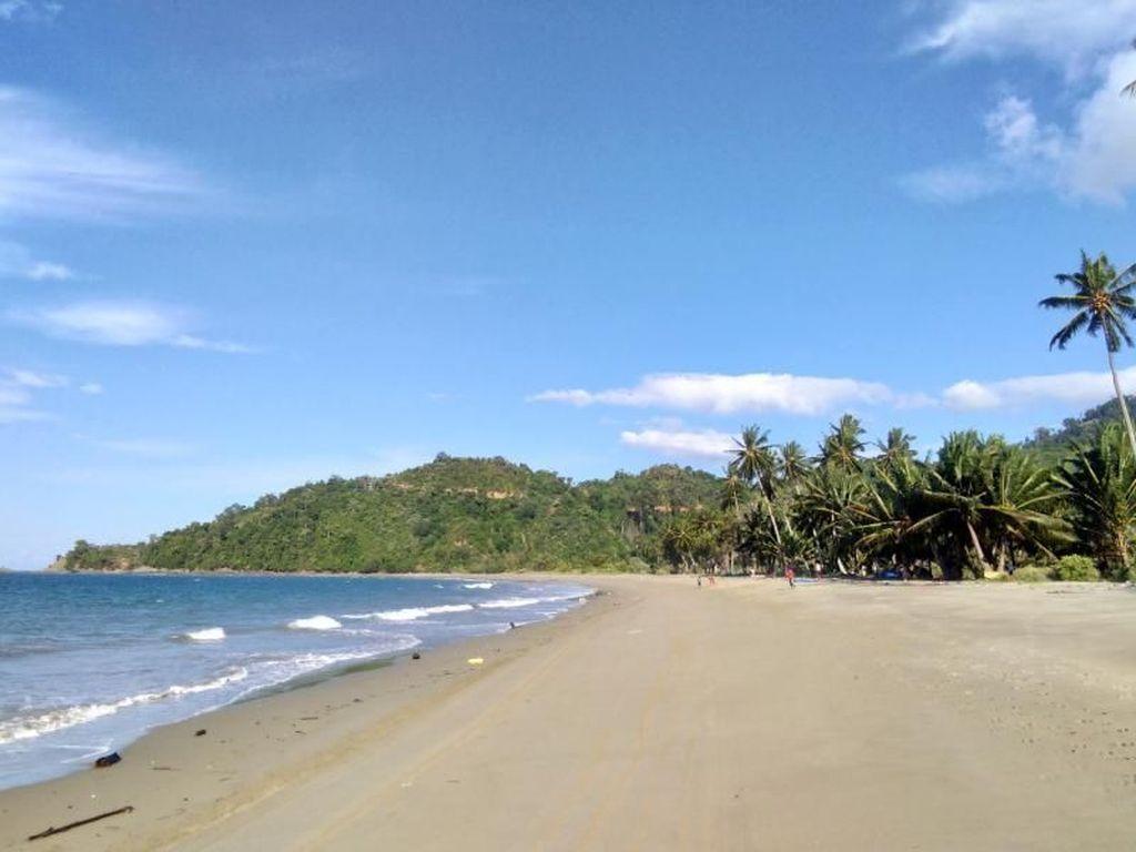 Destinasi Kamu Selanjutnya di Sulawesi Tengah: Pantai Diule