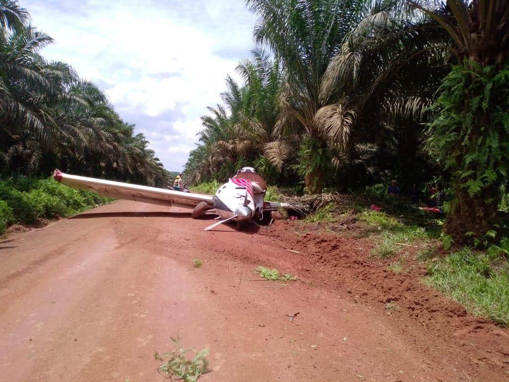Pesawat Penabur Pupuk Jatuh di Ketapang, Tak Ada Korban Jiwa