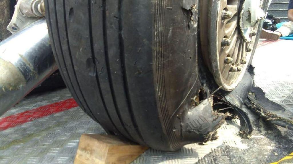 Melihat Lebih Dekat Kerusakan Roda Lion Air yang Diangkat dari Laut